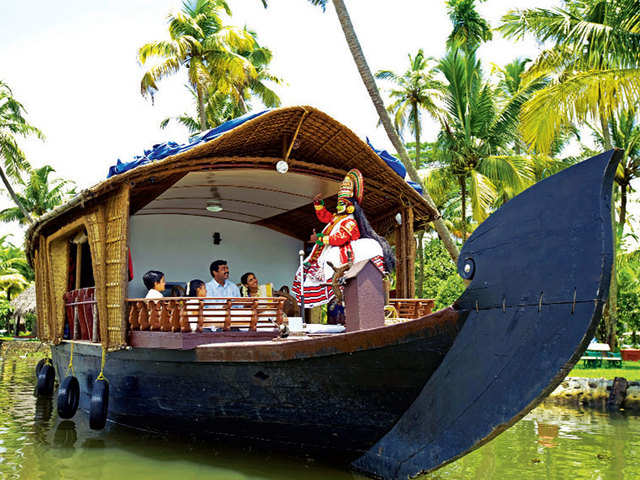 Sail down Alleppey's backwaters, go fruit picking: Family-friendly vacation ideas for festive weekends in April, May