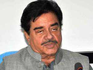 Rebel BJP MP Shatrughan Sinha to contest election on Congress ticket: Reports