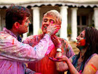 Played a colourful Holi? Your skin & hair will thank you for following this 3-step guide