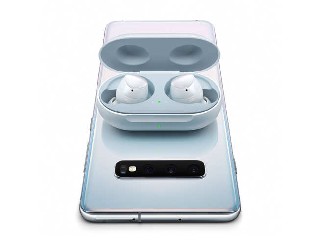 Samsung Galaxy Buds review: The Qi wireless charging, adaptive dual microphones set it apart