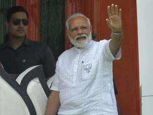 Mamata didi a 'speedbreaker' to West Bengal's development: Modi in Siliguri