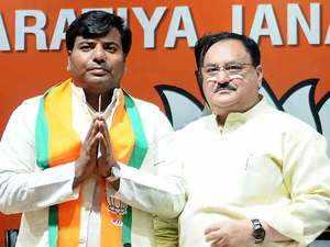 Lok Sabha Elections 2019: Gorakhpur MP Praveen Nishad joins BJP in Delhi