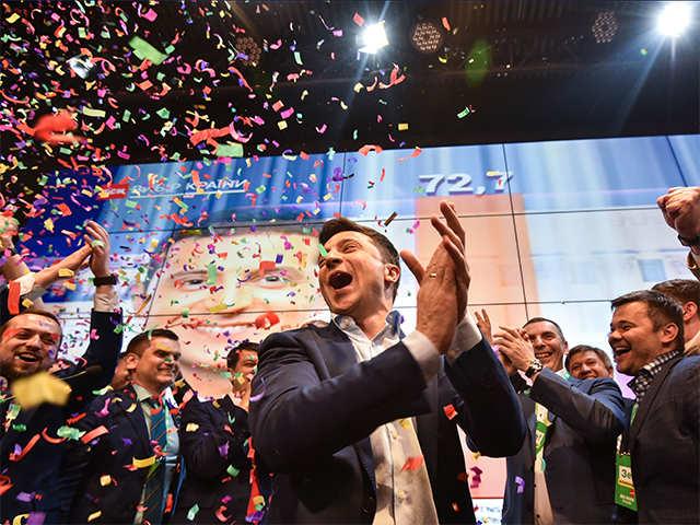 Il successo di Zelenskij, gli errori di Porošenko, il futuro dell'Ucraina. Intervista a Dario Quintavalle