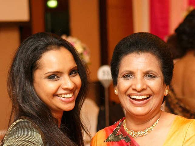 Shantha Mayadunne and her daughter Nisanga (L)