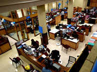 Customer complaints against banks surge 25% to 1.63 L in FY18