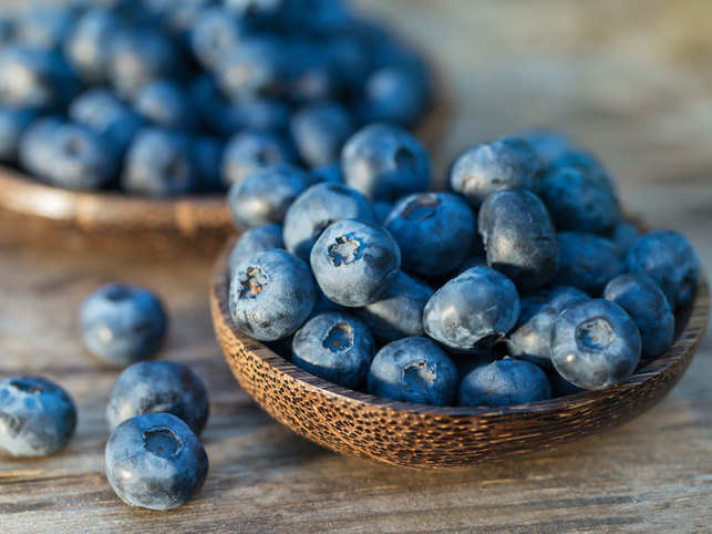 blueberry-fruit-eat-GettyIm
