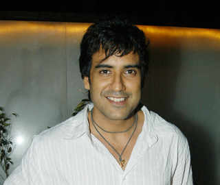 #MeToo: TV actor and singer Karan Oberoi arrested for raping, blackmailing woman