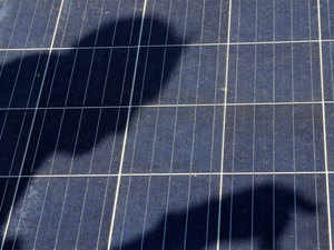 India mulls new solar tender with focus on factories