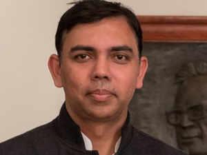 Ghanshyam-Tiwari-twitter