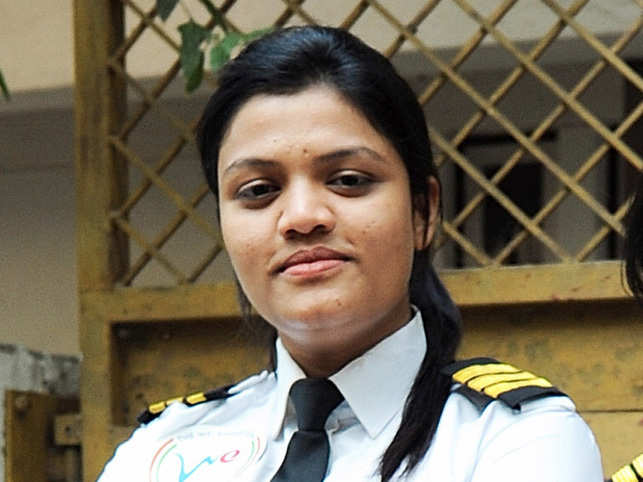 adc0fd41181 Meet Captain Aarohi Pandit, the 23-year-old girl who became world's ...