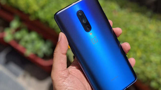 Watch: OnePlus 7 Pro Unboxing, 12GB RAM, Premium Design
