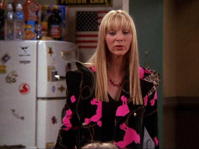 Lisa Kudrow avoids watching 'Friends' re-runs, says she 'may not like' herself on the show