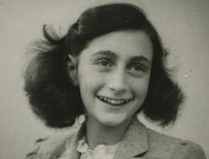 Harvard mag apologises for publishing photoshopped image of Anne Frank in a bikini