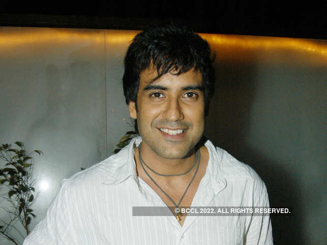 Karan Oberoi, 40, has acted in some television serials, and appeared in commercials.