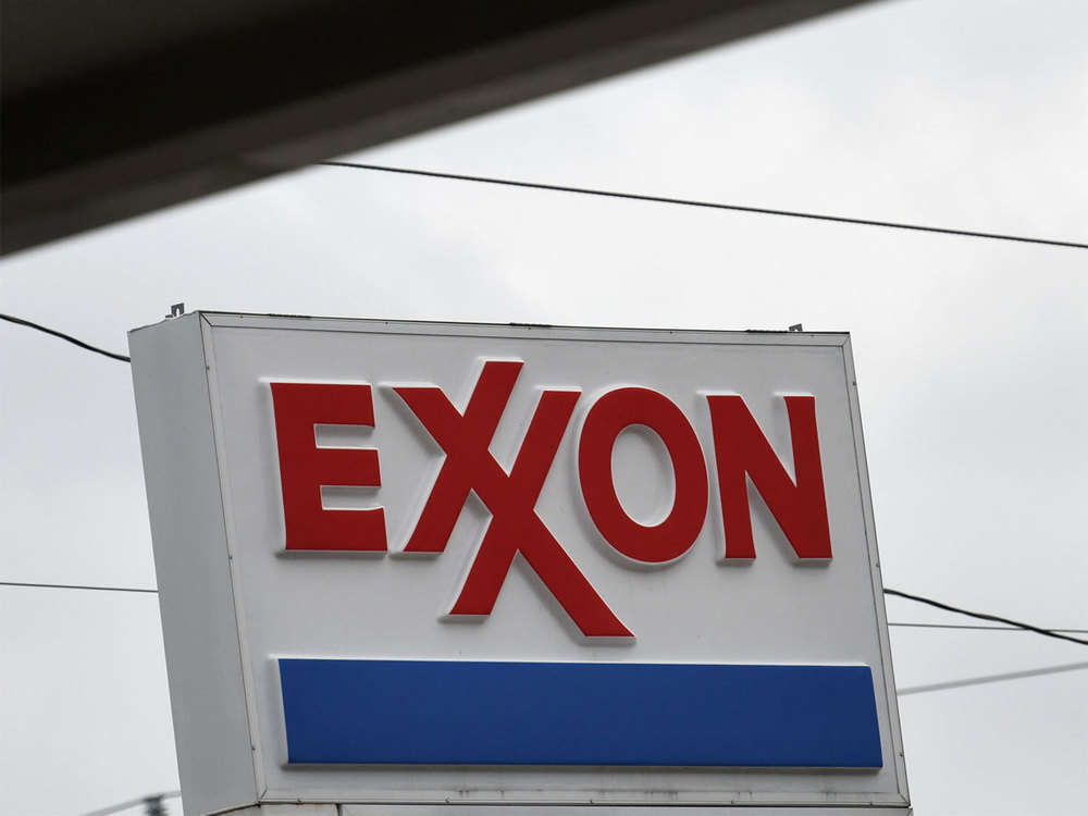 Exxon Mobil evacuates foreign staff from Iraqi oilfield: Sources