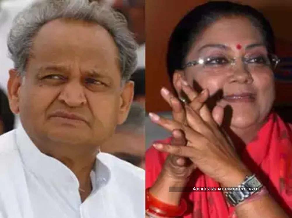 Vasundhara Raje and Ashok Gehlot travel in same flight, but don't talk to each other