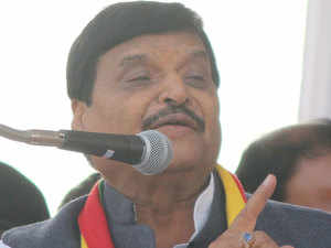 Mahagathbandhan in UP losing five seats because of Congress, one because of Shivpal