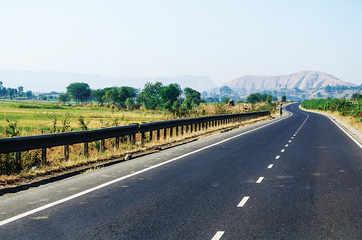 NHAI eyes Rs 5,000 crore from roads bidding