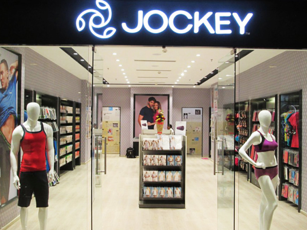 Not on the same Page: Jockey wants to go XXL, distributors say it's a stretch