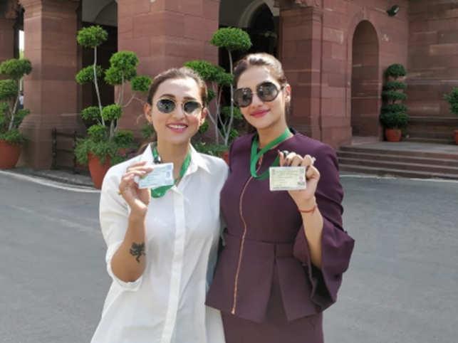 Nusrat: TMC MPs Mimi, Nusrat show up in jeans in Parliament