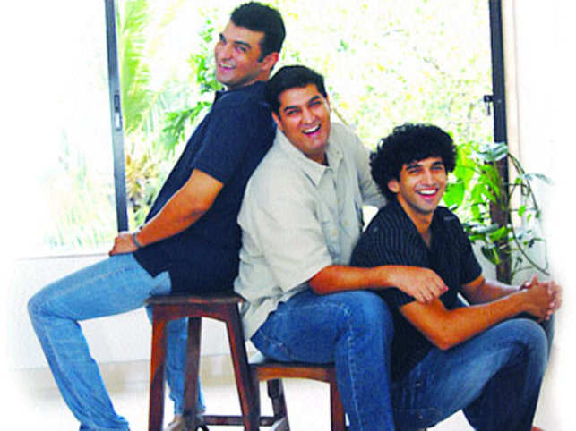 Another GenNext Kapur family finds feet in Bollywood