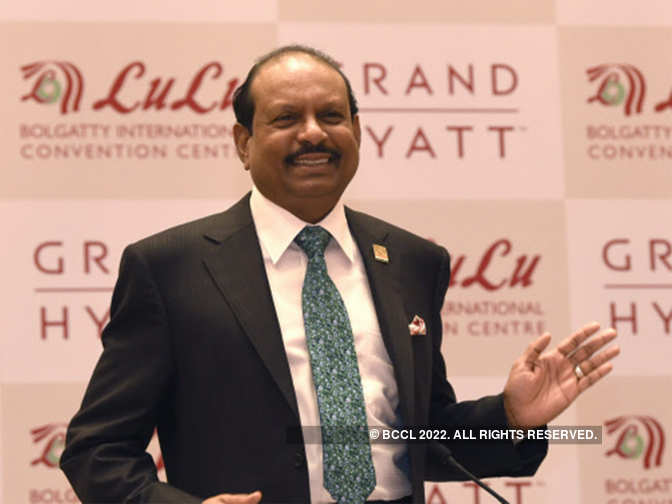 Indian retail tycoon becomes UAE's first permanent expat