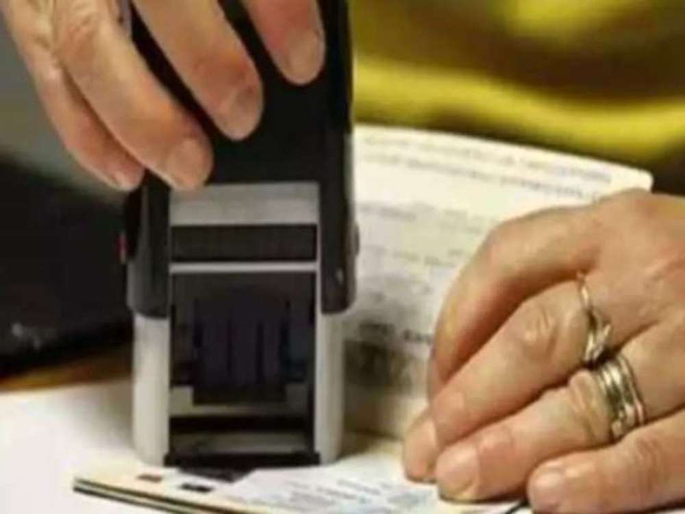 Spouses of H-1B visa holders sue US over H-4 extension delay