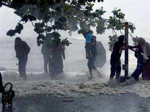 Monsoon catches up in Kerala; heavy to very heavy rainfall expected