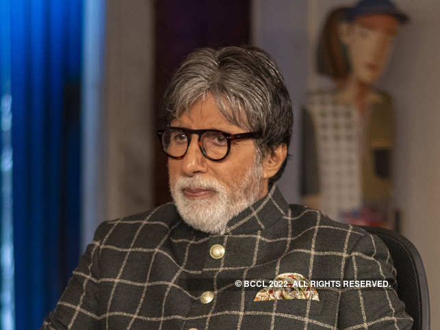 "Big B's Twitter bio was changed to - ""Actor ... well at least some are STILL saying so !! Love Pakistan."""