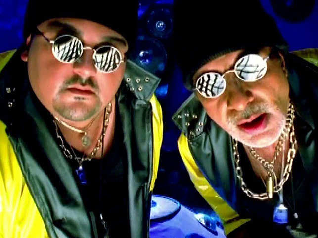 Adnan Sami and Amitabh Bachchan were seen together in the 'Kabhi Nahi' music video.