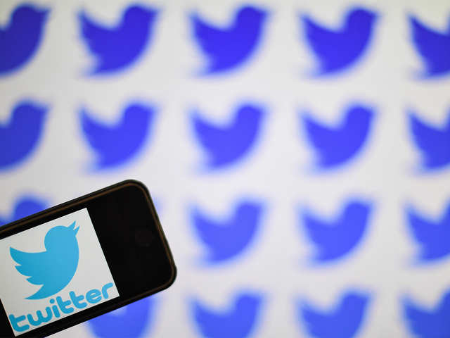 Twitter contends with bot behaviour