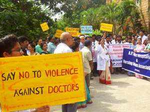 Doctors from Pan India join 'cease work' in solidarity with Kolkata fraternity