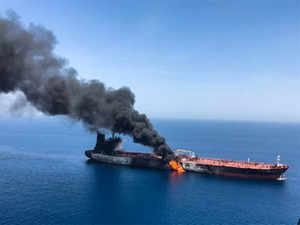 oil-tanker-explosion-REU2