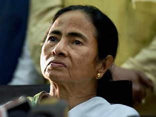 'Want to stay in Bengal, so speak Bengali': CM Mamata Banerjee