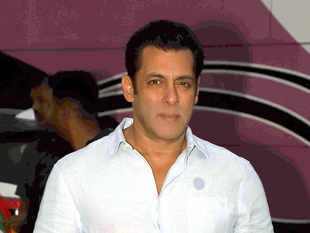 ​In 1998, Salman Khan was asked to submit his arms licence during the hearing of the black buck poaching case. ​