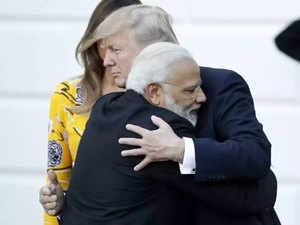 trump,-hugging-MOdi