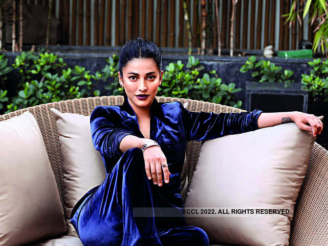Shruti Haasan will portray Nira Patel, a young woman in Delhi whose waitress job serves as a cover for a dangerous double life.