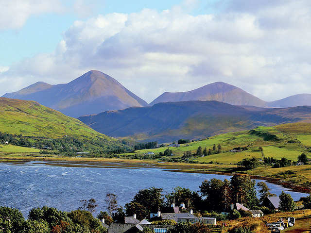 Travel to Scotland: Isle of Skye offers diverse natural beauty