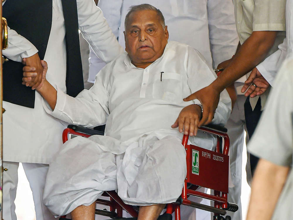 Mulayam Singh Yadav hospitalised after he complained of urinary retention