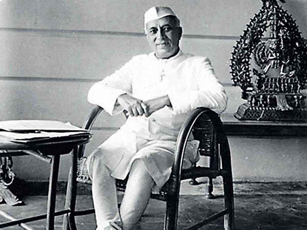 PM Nehru gifted silver icon of Shiva, necklace, his book for Elizabeth-Philip wedding