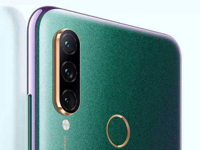 Lenovo Z6 would feature a sixth-generation in-display fingerprint scanner which claims to unlock the device in just 0.13 seconds.