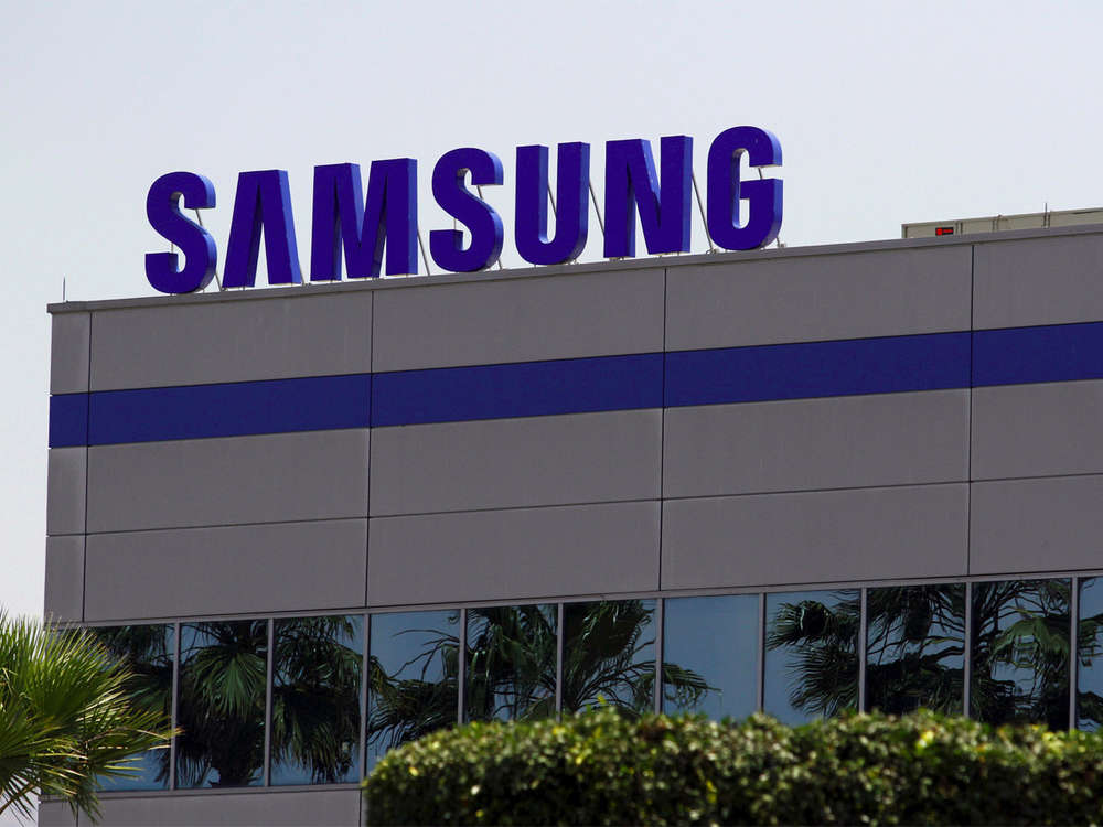 Boxed in by Chinese rivals, Samsung to sack 1,000 in India