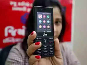 Reliance Jio partners Facebook for countrywide literacy