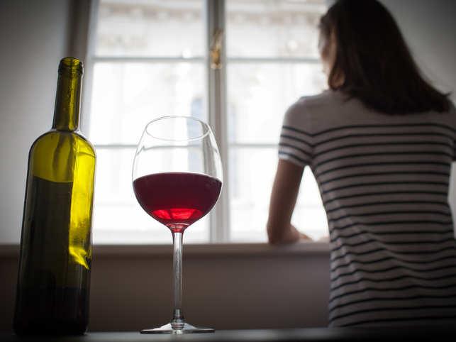 drink-wine-woman-GettyImage