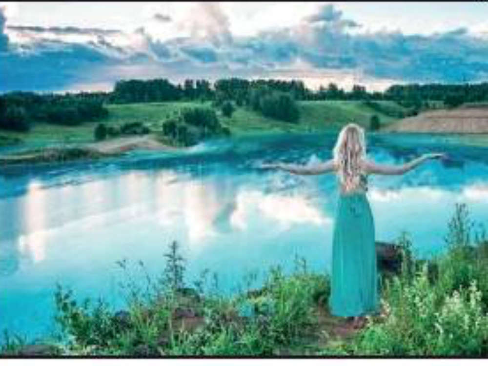 Russia's turquoise lake, a popular selfie spot, is a toxic waste dump