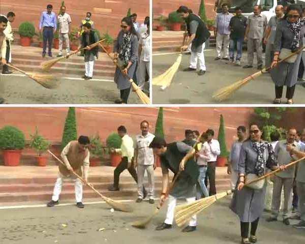 Watch: Anurag Thakur, Hema Malini take part in 'Swachh Bharat Abhiyan' in  Parliament premises
