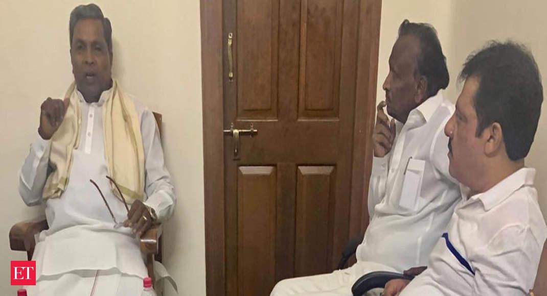 Karnataka: Congress MLA Nagaraj hints at reconsidering resignation