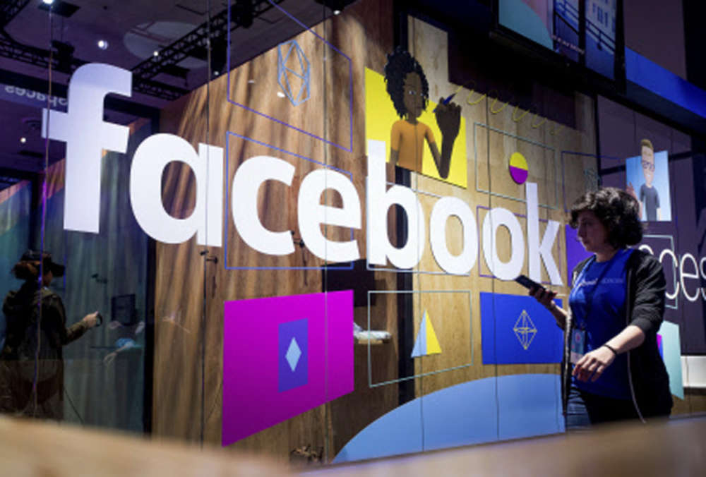 Facebook moves closer to WhatsApp payment service debut in India