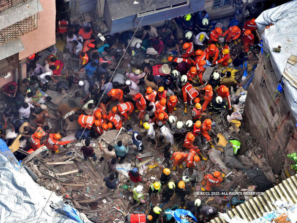 Mumbai building collapse live: Death toll rises to 14, search on for survivors