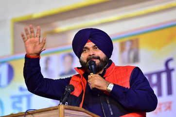 Punjab CM Amarinder Singh accepts Navjot Singh Sidhu's resignation